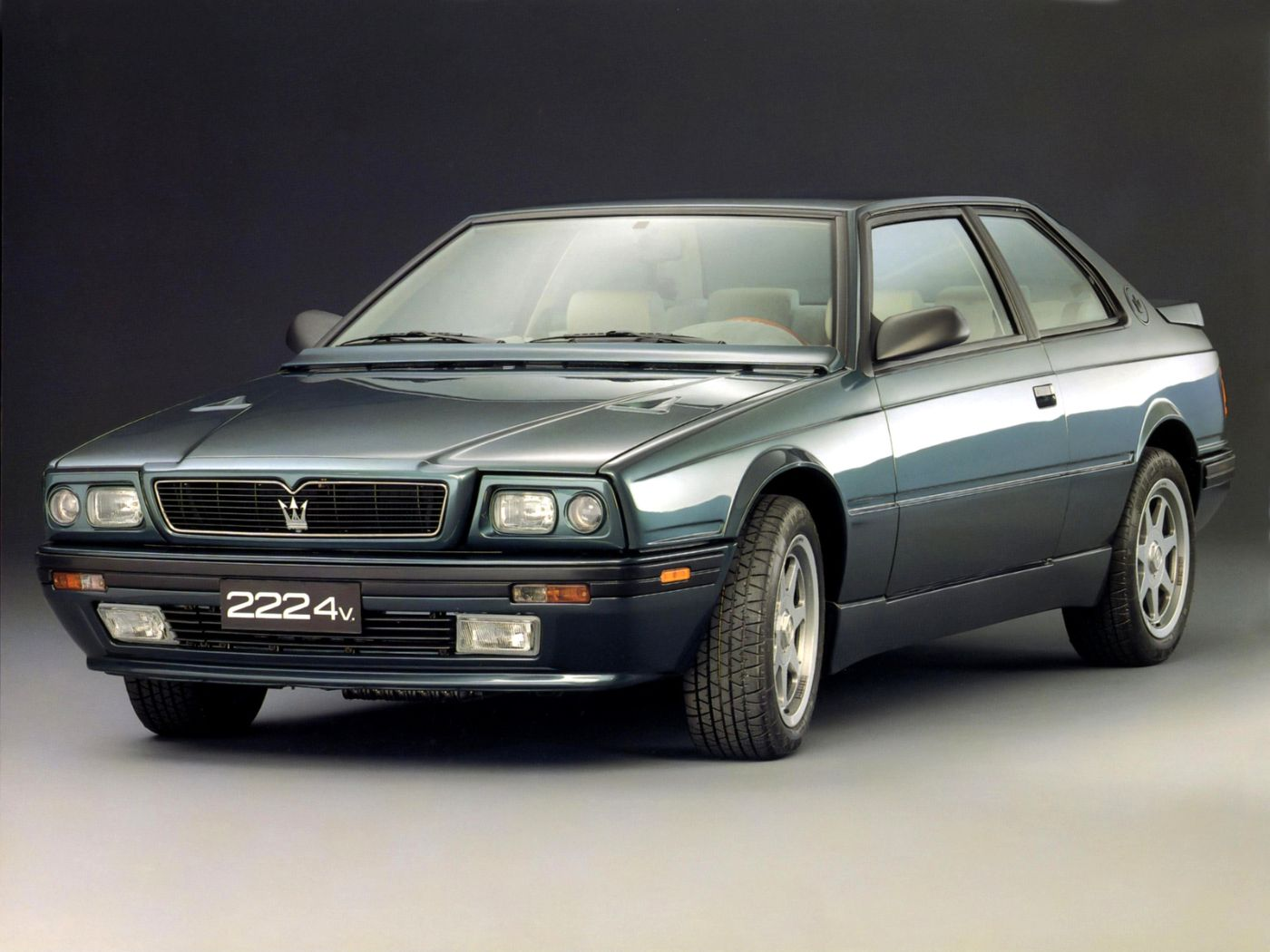 Blue Maserati Classic - Biturbo 222 - Front side view