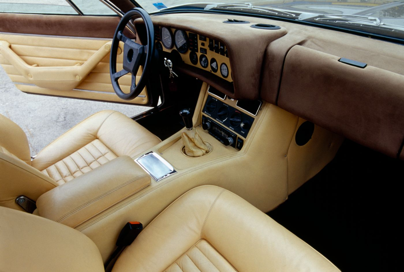 1976 Maserati Kyalami - interior view of the classic sports car model